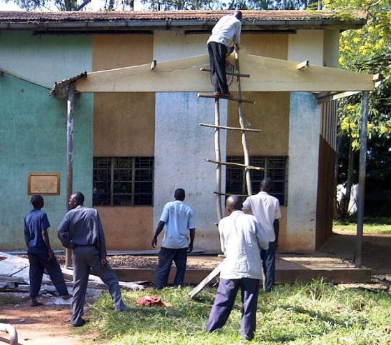 Nur Bildung hilft gegen Armut und Krankheit – 15 Jahre Unterstützung für Father Dr. Omara