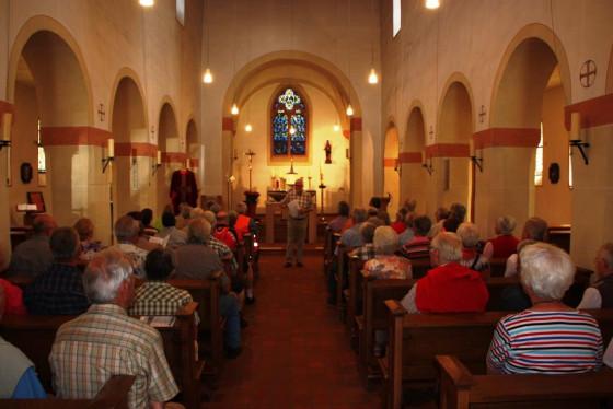 In der Gohrer Kirche wurden die Radpilger über die Odilien-Wallfahrt informiert.
